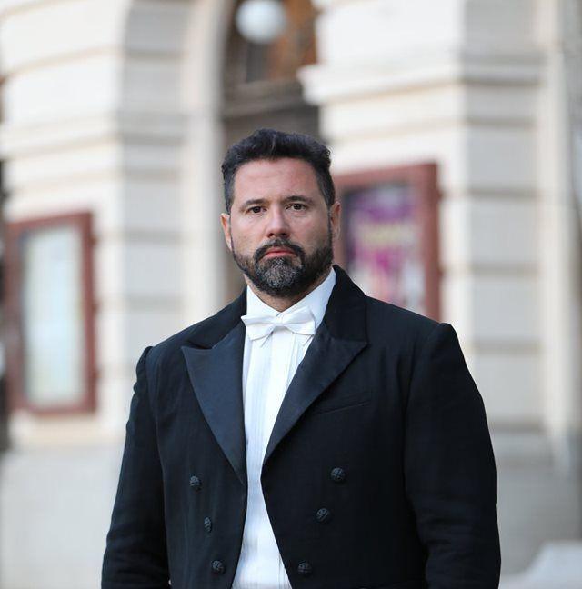 Добромир Момеков