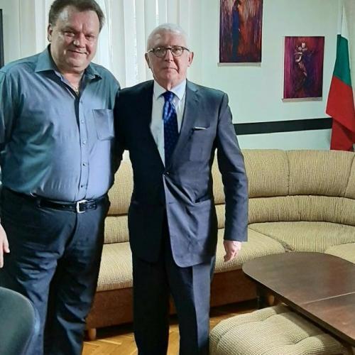 Посланикът на Република Ирландия г-н Майкъл Форбс посети Държавна опера  Русе