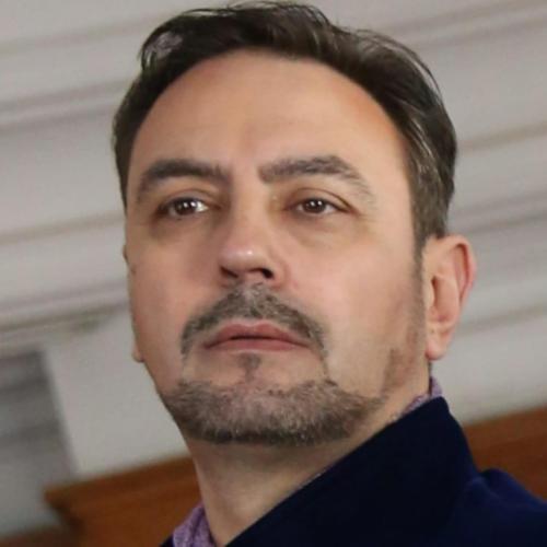 Един от най-търсените и харесвани от публиката български тенори на русенска сцена